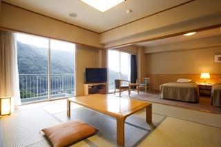 2-Day Mt. Fuji, Hakone & Hot Spring Tour (1 Night at Hakone) (No JR Ticket Included) [Departs from Shibuya & Shinjuku]