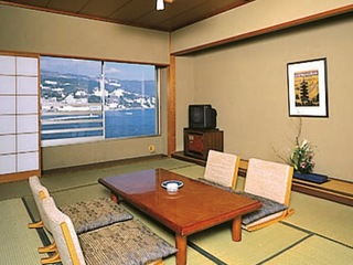 2-Day Mt. Fuji, Hakone & Hot Spring Tour (1 Night at Hotel New Akao in Atami, with Dinner & Breakfast) [Departs from Asakusa, Ginza & Shiba]